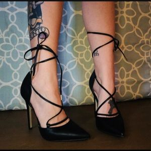 🖤SEXY LACE UP PUMPS🖤
